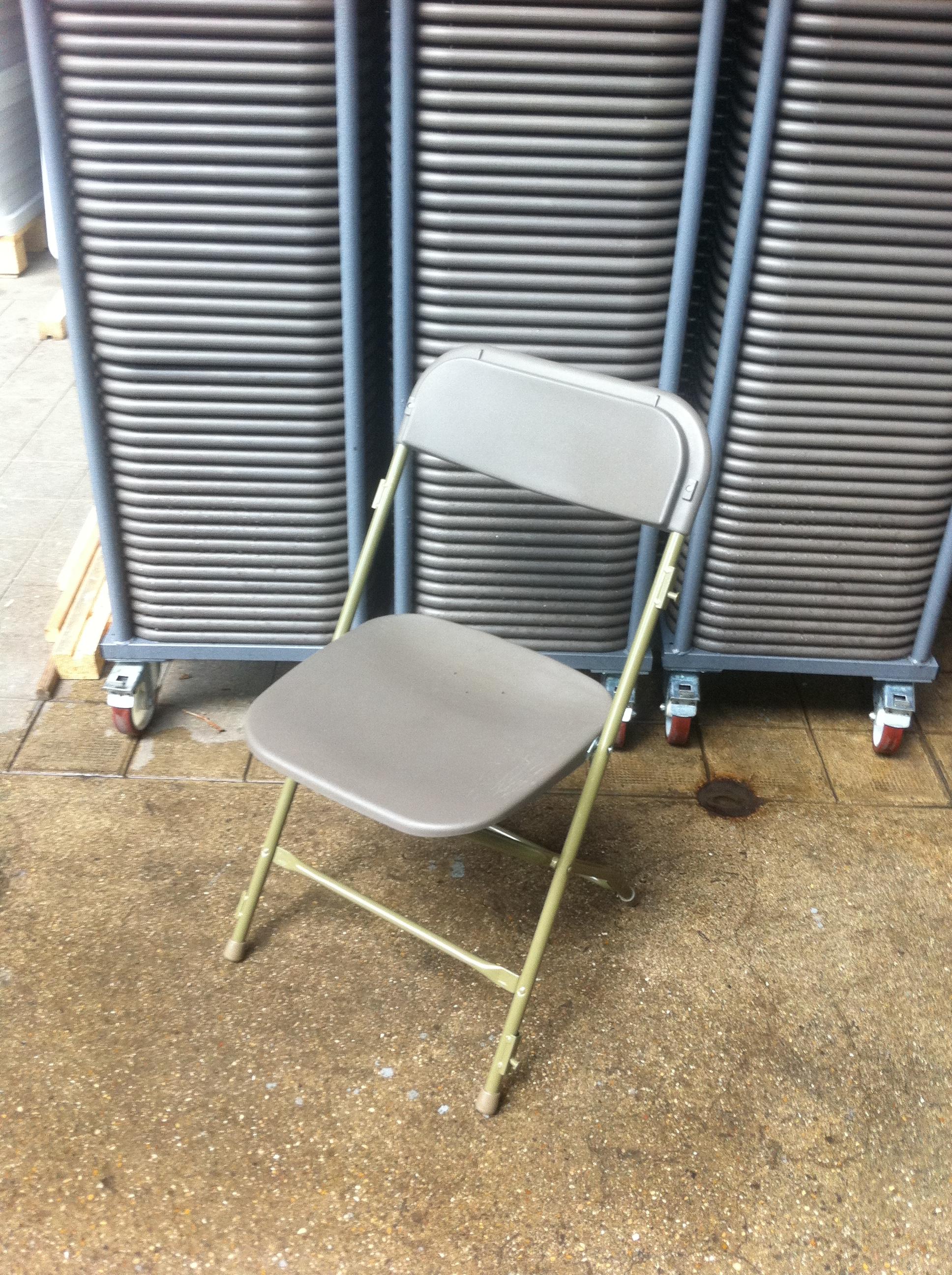 Chaises pliantes - Location de chaises pliantes ...